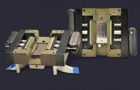 Custom socket with horizontally loaded pogo pins contact DUT edges