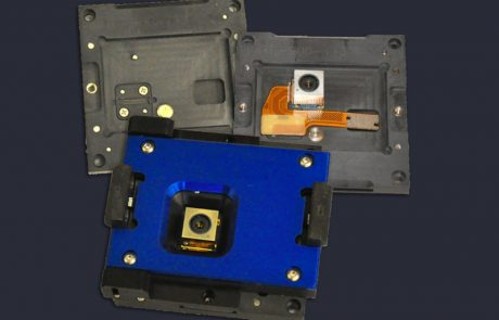 Flex PCB module test socket with opening in lid for optical components