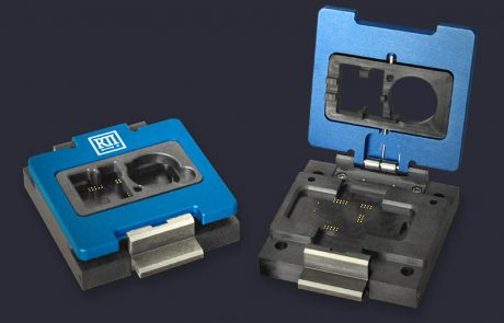 PCB module sockets with gimballed clamshell lid